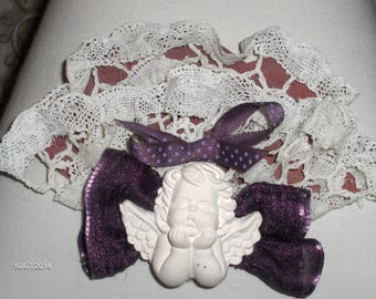 Decorative accessory for customization of lampshade, lace and cherub