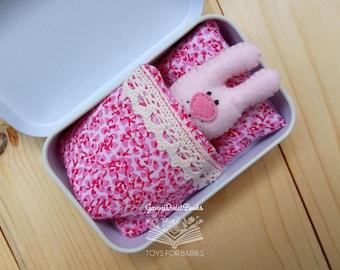 Pink Felt Rabbit in Tin Box, Miniature Toy, Busy Game, Travel Pocket Purse Toy in Matchbox, Cute Kawaii, Tiny Bunny, Easter Rabbit Decor,
