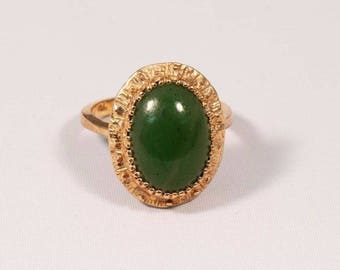 10K Yellow Gold Vintage 1970s Ladys Oval Jade w Oval Nephrite Ring, size 5.5