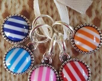 5 Knitting stitch markers. Stripes