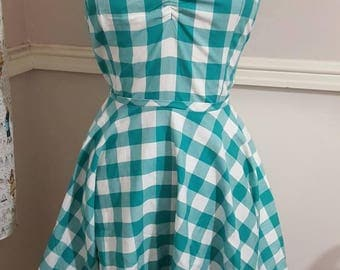 Heart of Haute American Pinup  Sarah Picnic Dress SIZE S
