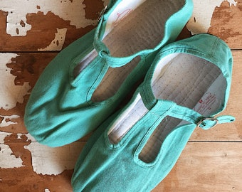 90s Womens Mary Jane Shoes / Teal