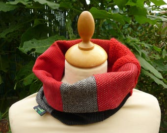 Collar snood sewing & knitting red and black