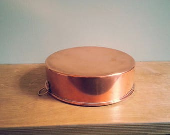 Vintage Swedish Plain Copper Mould 18cm - with brass hook for hanging