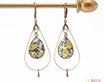 Creole earrings drops resin black and mustard yellow floral pattern