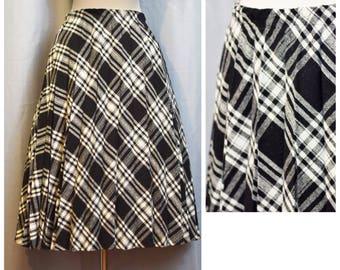 Black/White Plaid 70s Wool Skirt