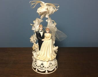 RARE Vintage Plastic Wedding Cake Topper Bride and Groom with Fabric Dress, Veil, and Flowers (CT #20)
