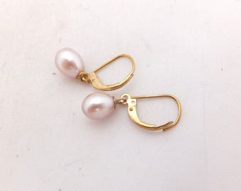 Pink cultured pearl gold earrings