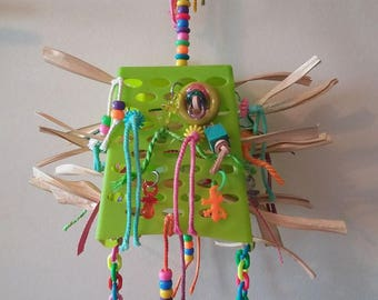 Toy for parakeets and parrots hanging small size (conures, kakariki...)