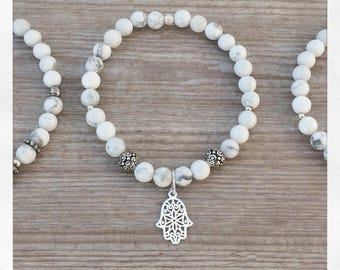 Howlite natural stone and silver pendant 925 hand of Fatima bracelet