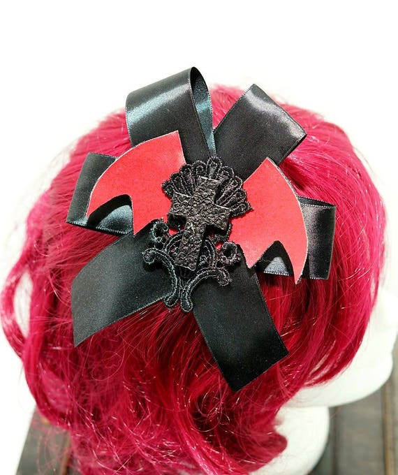 Gothic raven pink bat red with black bow hairpin brooch / bat black loop resin r Schaedelchen hair clip and brooch