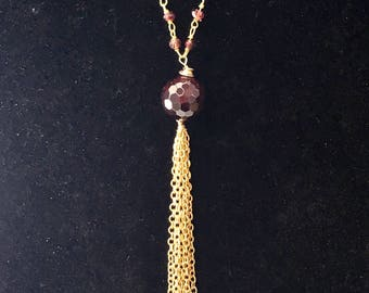 Garnet necklace - goldfilled, gold plated