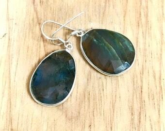 Labradorite drop earrings, Sterling silver dangle earrings, gemstone Jewellery, silver earrings, boho earrings,statement earrings, gift for