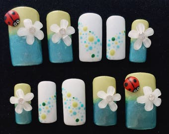Ladybird| 3D nail art| Press on nails| Claws| Kids fake nails| Press on nails| Fun nails|Sticker on fingernails| Reusable nails| False nails