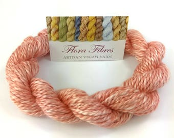 """Hand spun naturally dyed vegan rose 2 ply worsted weight yarn """"Candyfloss"""" for knitting crochet weaving UK"""