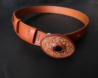 Leather carved belt.Brown leather belt.Women's carved belt.Gift for Her.Gift for Women.Gift for Wife.Birthday Gift