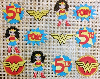 Wonder Woman Fondant Cupcake Toppers