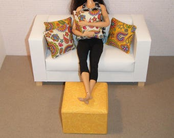 1:6 Scale Furniture Pouf and 4 Pillows - Barbie Momoko Blythe Pullip Fashion Dolls - Living Room Diorama - Gold, Multi-color