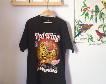 Vintage 1997 Detroit Red Wings Stanley Cup Champions T-Shirt