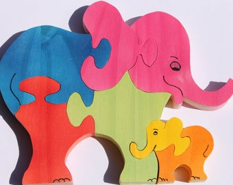 Wooden 3d elephant and her little puzzle: raw or painted