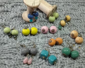 Earrings with colored ceramic beads
