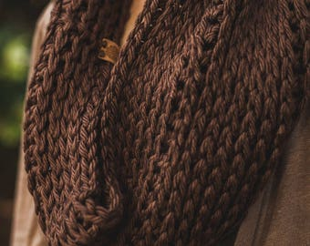 Camel Stitch Cowl--Brown