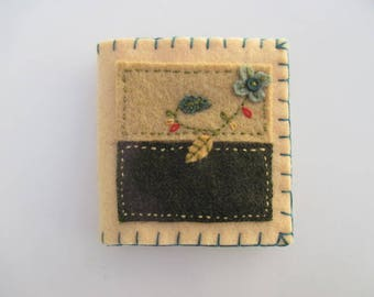 Needle Book/ Needle Holder/ Needle Case