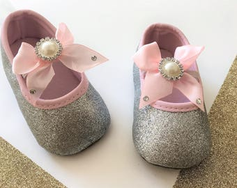Silver and Pink baby shoes, Silver baby shoes, Silver and Pink Girl shoes, Silver Glitter Baby Shoes, Weeding Baby Shoes,