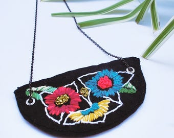 Floral from the south Necklace/ Embroidery, Necklace, embroidery necklace, art, hoop art, flower embroidery,  textile art, roses