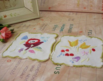 2 Lovely,Vintage,Hungarian handmade embroidered doilies,Kalocsa flower pattern,Cottage/Shabby Chic