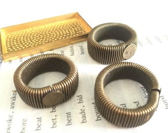 wholesale 100 Pieces /Lot Antique Bronze plated 15mm/19mm Elastic ring base 8mm /12mm pad ring blanks