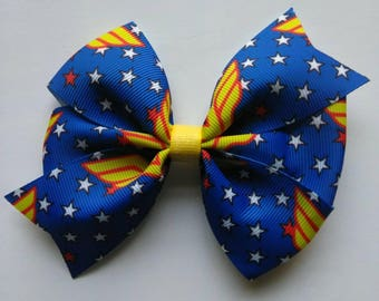"Girl Super Hero hair bow, 4"" hair bow, W hair bow, party favors, birthday hair bows, party bows"