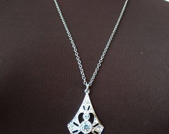 Vintage Silvertone Sarah Coventry Rhinestone Pendant Necklace
