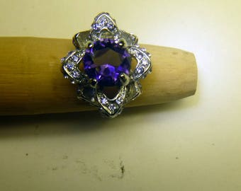 Lg. 3ct women's Amethyst 'flower' ring. 925 Silver. new. size 6
