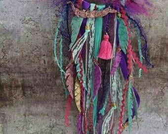 Dream catcher, dreamcatcher, Dreamcatcher boho gypsy, purple, Fuschia, nursery wall decor, girl gift, ribbons, Tulle.