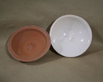 Ceramic plates with leaves, White and red ceramic plates, Terracotta, Ceramic dishes, Hemp leaf, Small ceramic plates, White plate,cannabis