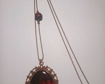 Cameo pendant necklace black and Burgundy