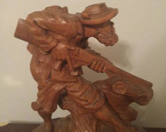 Hand Carved Frontiersman with Rifle Wood Statue