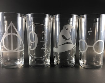 Harry Potter Etched Pint Set | Hogwarts Pints | Harry Potter Glasses | Harry Potter gift | Nerdy Gift