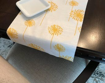 Spring table runner etsy spring table runner easter table decor easter decoration farmhouse table floral table negle Image collections