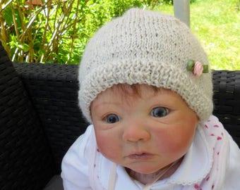 pretty baby bonnet, changing wool