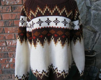 Vintage Ski Sweater with Great Design and weave