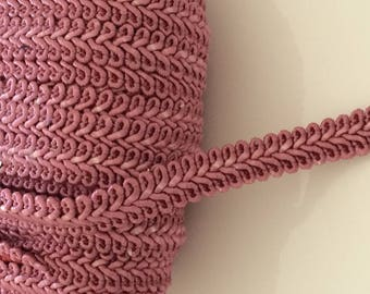 Braid has sew or stick 12 mm pink