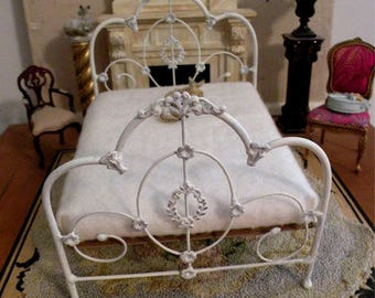 "Artisan Made Barbie 1:6 Scale Wrought Iron Look Bed ""WILLOW"""