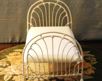 """Artisan Made Barbie 1:6 Scale Wrought Iron Look Bed """"Gillian"""""""