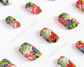 Press On Nails - Floral Nails- Glue On nails - Faux Nails -artificial nails - false nails - Free International Shipping