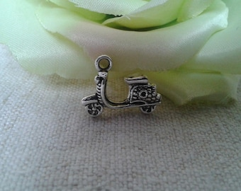 set of 5 Silver scooter charm