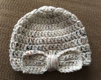 Winter baby hat with bow