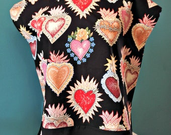 Huipil 'Heart and soul' black Mexican blouse folk Sacred Heart Frida Kahlo black blouse shirt in Alexander Henry summer pinup style top