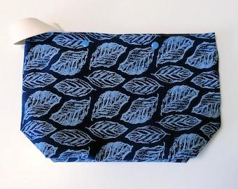 Leaf indigo print - Medium bag with snap buttons
